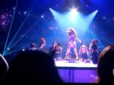 Jennifer Lopez ft. Pitbull On The Floor DEBUT Live Performance on American Idol