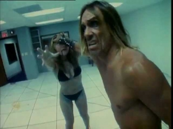 Peaches & Iggy Pop -- Kick It