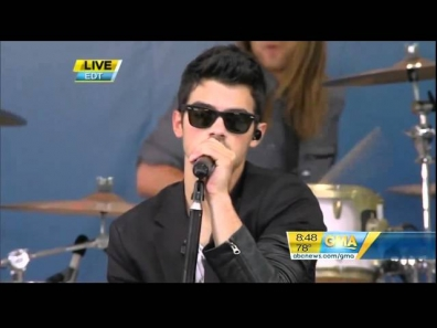 Jonas Brothers - Heart & Soul (Live On Good Morning America) (HD)