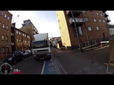 Dangerous driving - lorry on Cycle Superhighway 3 - FP12 NNM - London Cyclist