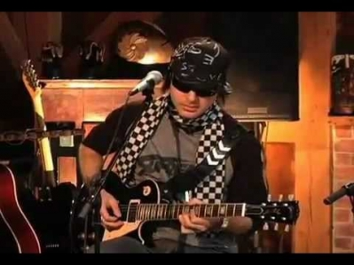 Kevin Rudolf -- In the City [Live from Daryl's House #14-01]