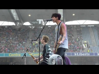 5SOS WWA Tour Croke Park | Good Girls